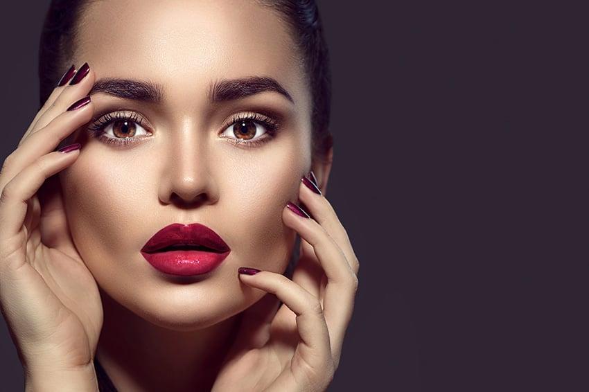 Kako se koristi šminka za obrve