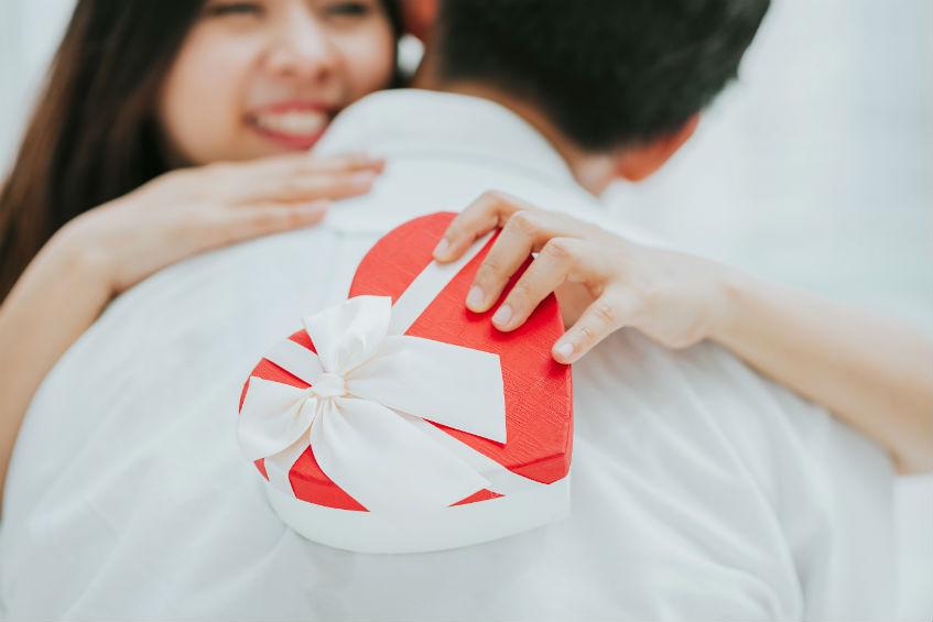 Šta žene žele - poklon za Dan zaljubljenih koji govori koliko je voliš
