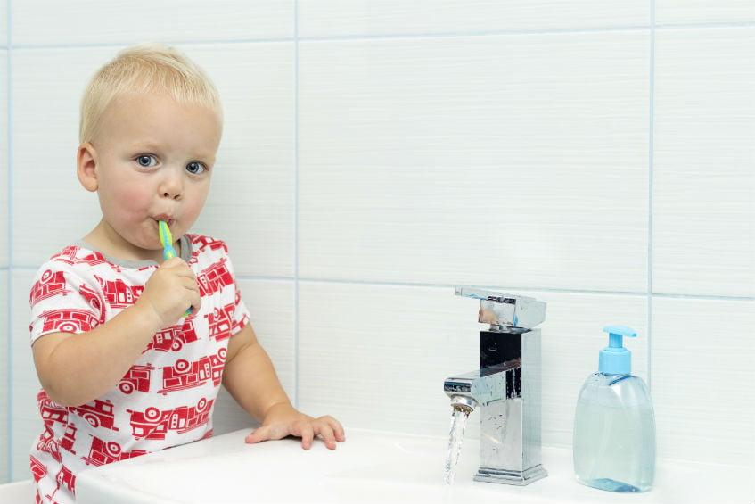 Važnost pravilne nege mlečnih zuba za zdravlje vaših mališana