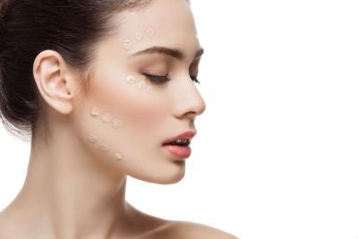 Čemu služi primer i zašto je važan korak prilikom nanošenja šminke?